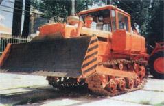 Các loại máy khai hoang xây dựng từ 100 đến 200 mã lực